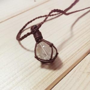 水晶 編み ネックレス