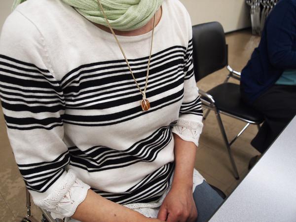 編み ネックレス 包み編み