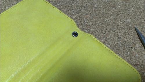 スマホ 手帳型カバー ストラップ穴