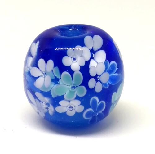 手作りの花柄のとんぼ玉