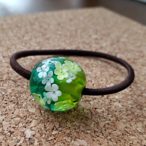 松江市玉湯町にあるいちの家で作ったグリーンのとんぼ玉