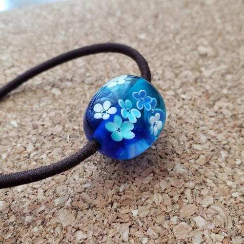 松江市玉湯町のいちの家で作ったブルーのとんぼ玉